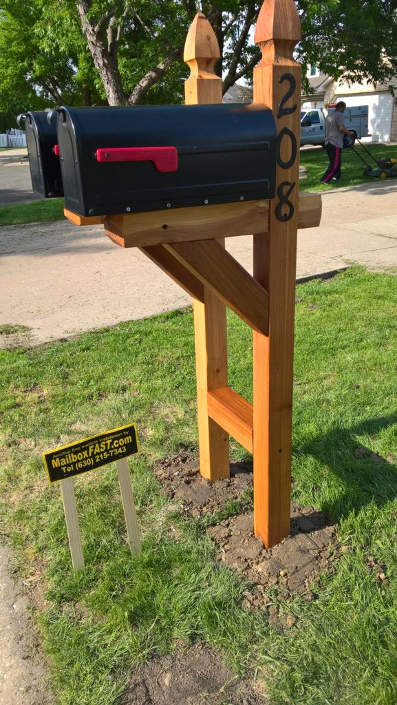 Twin French Gothic Cedar Posts with Package Tray and UV Clearcoat in Shorewood – Joliet